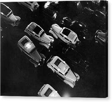 Ny Taxis On A Rainy Night Canvas Print by Underwood Archives