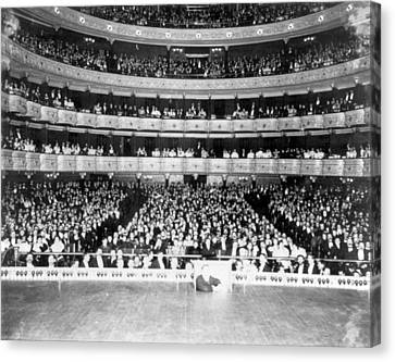 Nyc, Metropolitan Opera House Audience Canvas Print
