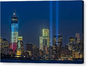 Nyc Remembers September 11 Canvas Print by Susan Candelario