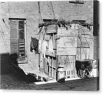 Nyc Tenement Life, 1897 Canvas Print by Granger