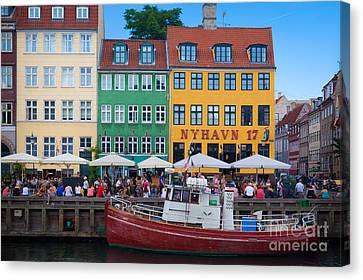 Port Town Canvas Print - Nyhavn 17 by Inge Johnsson