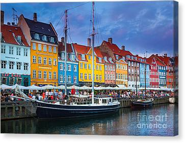 Nyhavn Canal Canvas Print by Inge Johnsson