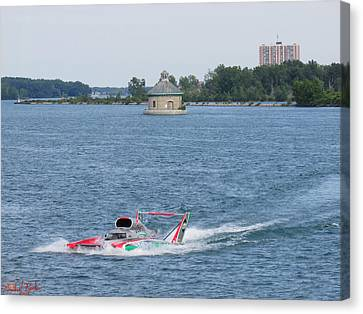 Oberto 2014 Gold Cup Winner Canvas Print by Michael Rucker