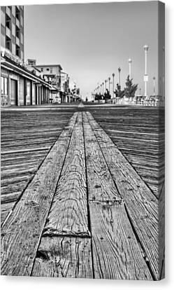 Ocean City Bw Canvas Print