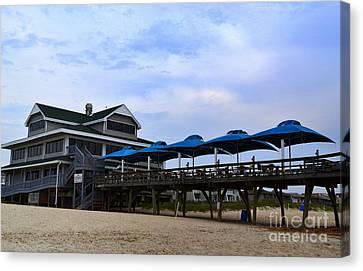 Ocean Pier And Restaurant Canvas Print