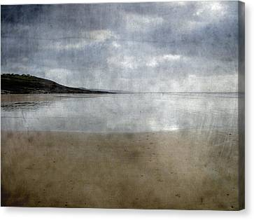 Ogmore Beach Canvas Print by Kevin Round