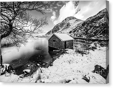 Ogwen Boat House V2 Canvas Print