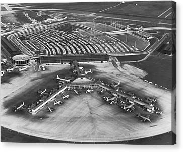 O'hare International Airport Canvas Print by Underwood Archives