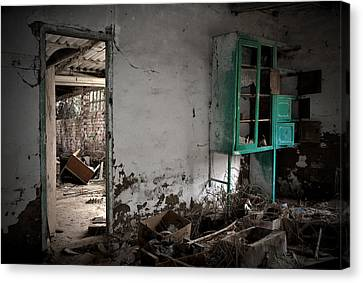 Old Abandoned Kitchen Canvas Print by RicardMN Photography