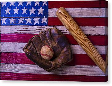 Old Ball And Glove With Bat Canvas Print by Garry Gay