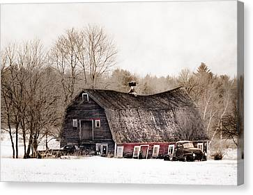 Old Barn And Truck - Americana Canvas Print by Gary Heller