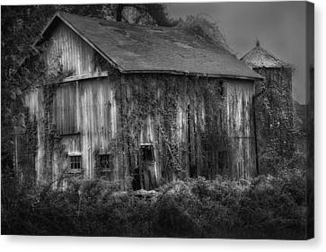 Kent Connecticut Canvas Print - Old Barn by Bill Wakeley