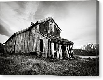 Old Barn Canvas Print by Dave Bowman