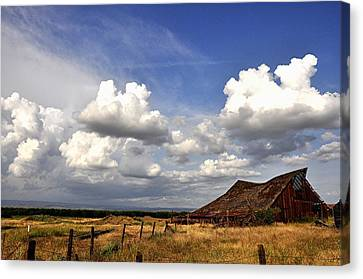 Old Barn Canvas Print by James Stodola