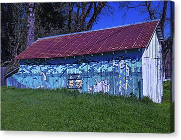 Old Barn Mural Canvas Print by Garry Gay