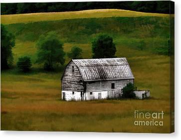 Old Barn Near Buckhannon Canvas Print by Dan Friend
