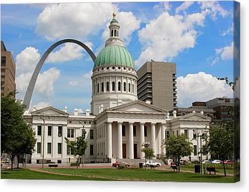 Old Courthouse And Arch Jefferson Nat'l Canvas Print by Richard and Susan Day
