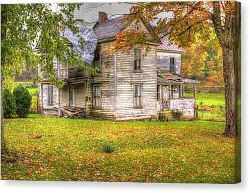 Old Farm House Canvas Print by Harold Rau