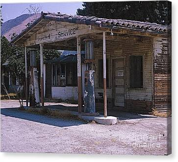 Old Gas Station Ventura Blvd Ca Canvas Print