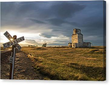 Old Granary In Late Evening Light Canvas Print by Chuck Haney