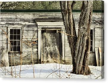 Old House By The Road Canvas Print by Susan Capuano