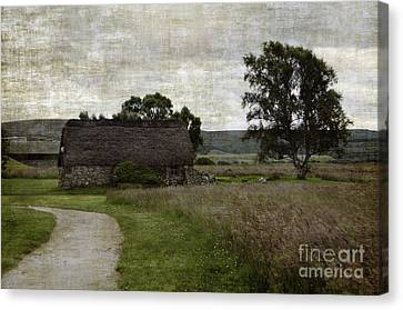 Old House In Culloden Battlefield Canvas Print by RicardMN Photography