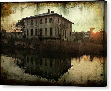 Old House On Canal Canvas Print