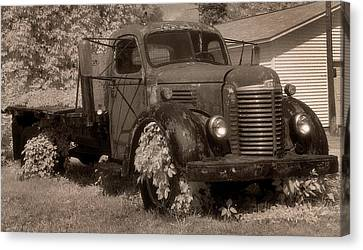 Old International Truck Canvas Print