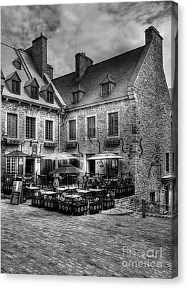 Old Quebec City Bw Canvas Print by Mel Steinhauer