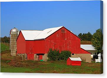 Old Red Barn In Ohio Canvas Print by Dan Sproul