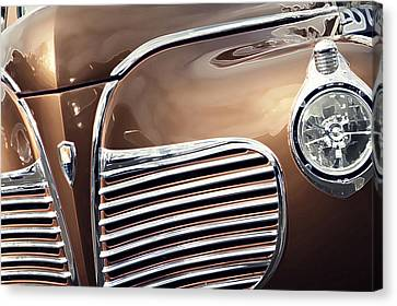 Old Timer Grille Canvas Print by Carolina Liechtenstein