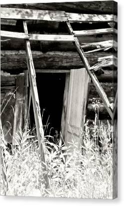 Old Tobacco Barn Canvas Print by Michael Allen