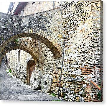 Old Towns Of Tuscany San Gimignano Italy Canvas Print