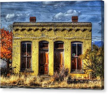 Old Yellow House In Buena Vista Canvas Print by Lanita Williams