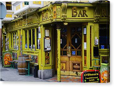Temple Bar Canvas Prints Fine Art America