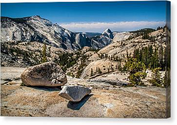 Olmsted Point Canvas Print by Chuck De La Rosa