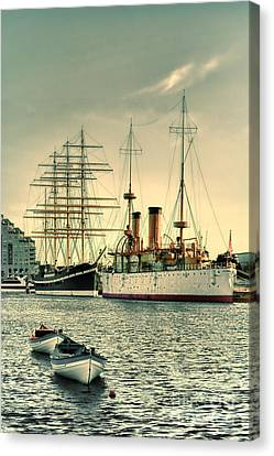 Olympia And Moshulu Canvas Print by Olivier Le Queinec