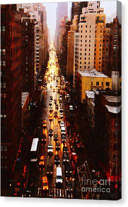 New York City On A Rainy Day Canvas Print by Nishanth Gopinathan