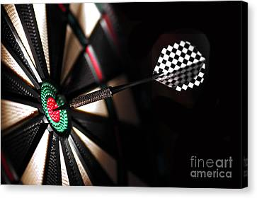 One Arrow In The Centre Of A Dart Board Canvas Print