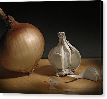 Canvas Print featuring the photograph Onion And Garlic by Krasimir Tolev