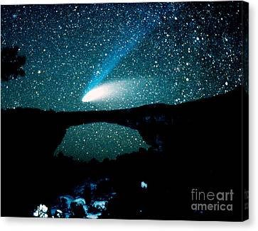 Optical Image Of Hale-bopp Comet Canvas Print