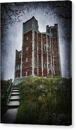 Orford Castle Canvas Print by Svetlana Sewell