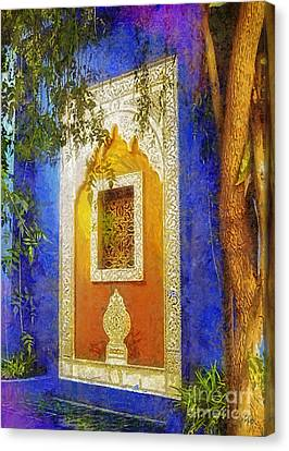 Oriental Mood Canvas Print by Mo T