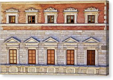 Ornate Carved Stone Windows Of A Government Building In Tuscany Canvas Print by David Letts