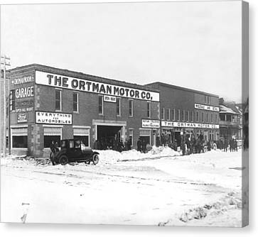 Court House Canvas Print - Ortman Motor Company by Underwood Archives