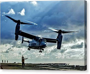 Osprey Approach Canvas Print by Benjamin Yeager