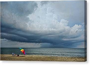 Out To Sea - Outer Banks Canvas Print by Dana Sohr