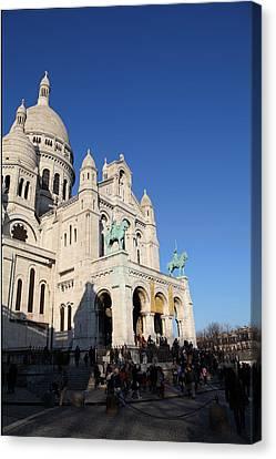 Outside The Basilica Of The Sacred Heart Of Paris - Sacre Coeur - Paris France - 01135 Canvas Print by DC Photographer