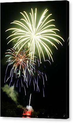 4th Of July Fireworks 5 Canvas Print by Howard Tenke