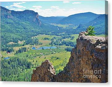 Canvas Print featuring the photograph Overlook by William Wyckoff